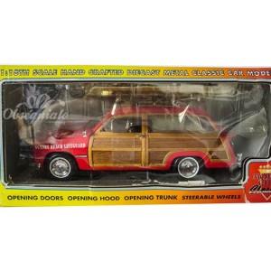 1949 Ford Woody Station Wagon. Escala 1:18