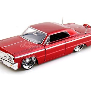 1964 Chevy Impala. Escala 1:24