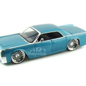 1963 Lincoln Continental. Escala 1:24